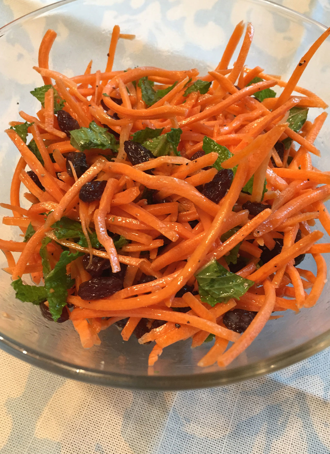 Clean Carrot & Raisin Salad
