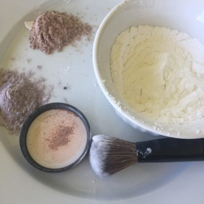 Easy 3 Ingredient Dry Shampoo