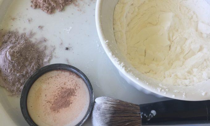 Easy 3 Ingredient Dry Shampoo