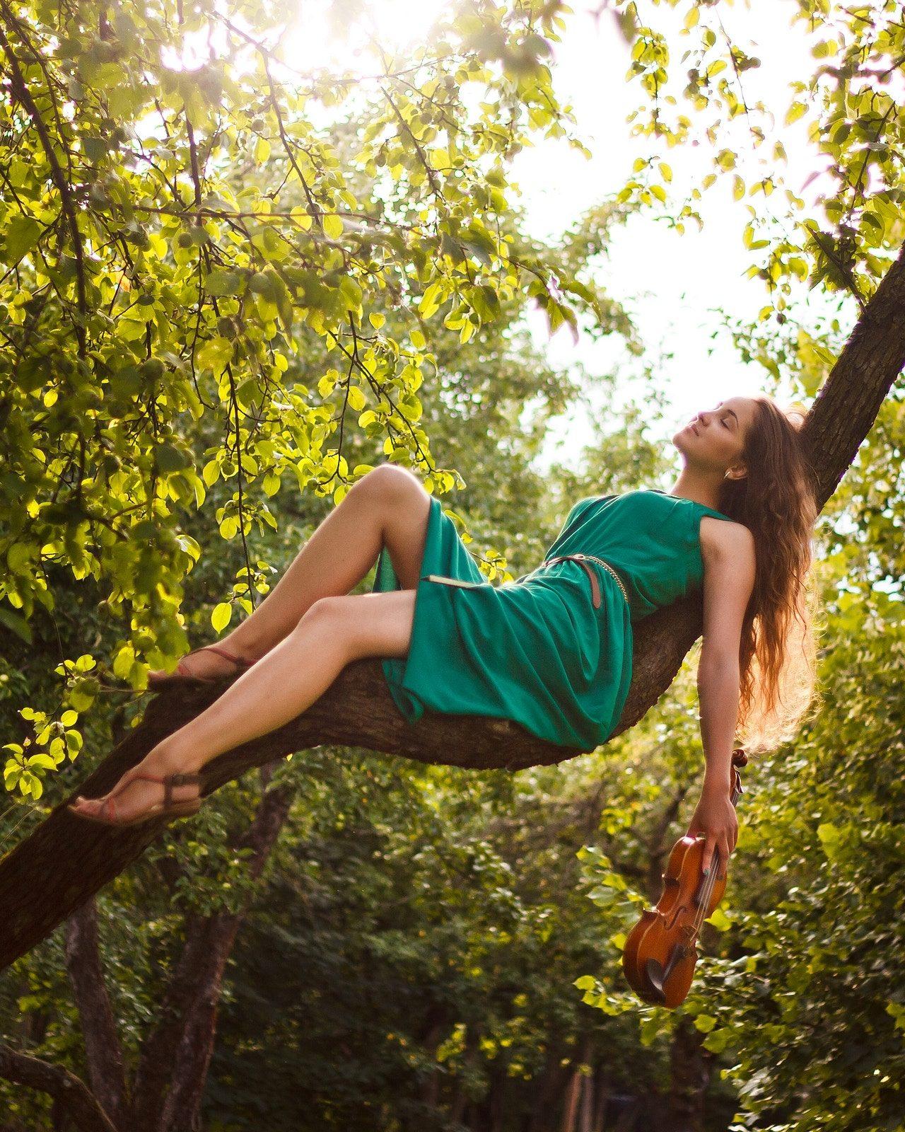10 Reasons Tired Moms Should Take a Nap Daily